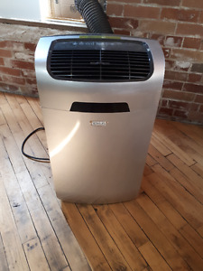 10 months old air conditioner + heater unit combo
