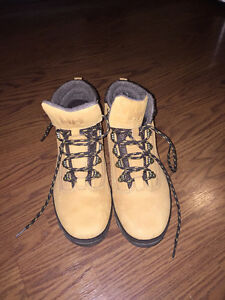 Helly Hansen size 11 boots - Never been worn