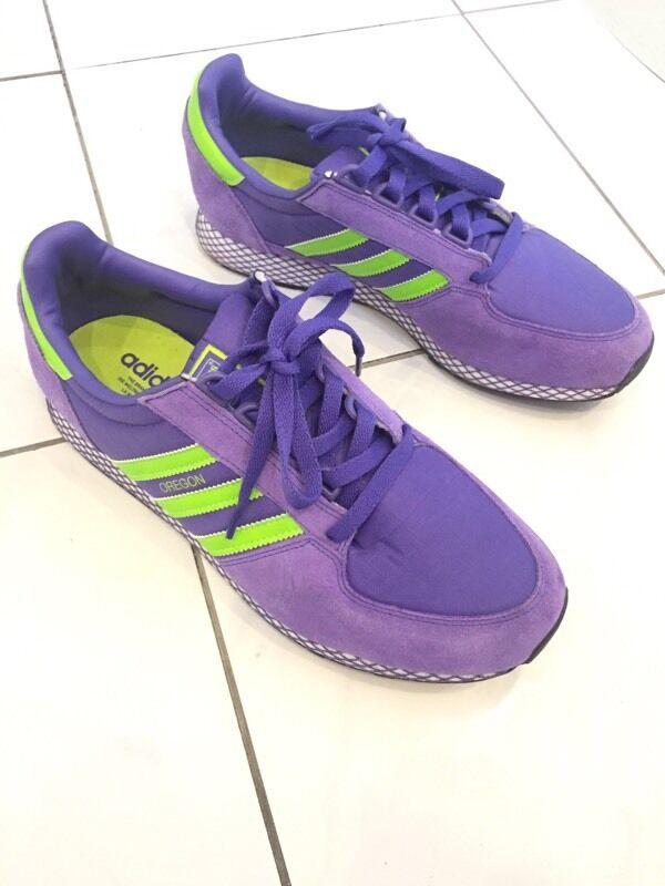 Adidas Oregon Dark púrpura & limo verde formadores tamaño 9