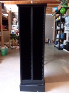 2 CD black wooden towers