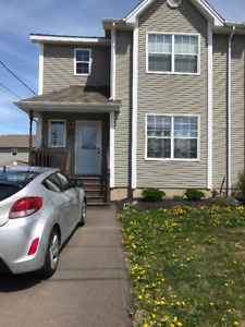 BEAUTIFUL SEMI FOR RENT IN DIEPPE - JULY 1st