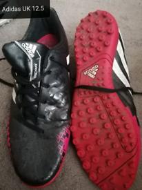 Adidas UK 12.5 football trainers