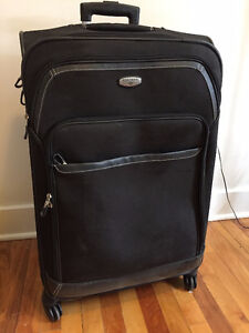 DOCKERS FOUR WHEEL LUGGAGE