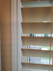 Wooden blinds for 2 windows