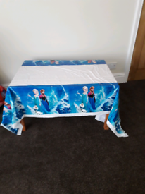 Else table cover