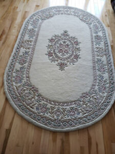 Area Rug, 8' x 5' with non-slip underpad