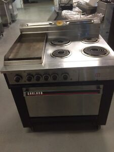 4 burner with flat grill oven electric Kitchener / Waterloo Kitchener Area image 1