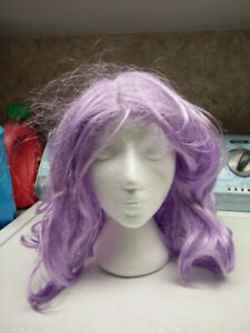 Selling purple and black wigs