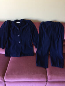 Ensemble 2 pièces veston et pantalon en micro suède taille 8