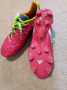 Womens soccer shoes size 6.5