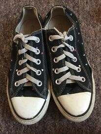 Converse pumps size 4