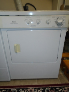 Frigidaire Washer and Dryer MOVING must sell