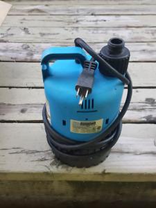 1/4HP utility / pond pump - Pompe à étang