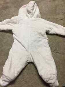 3-6 month baby girl snowsuit London Ontario image 2