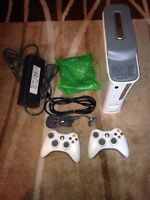 Xbo 360 20gb HDMI 2 controller all cable charging cord