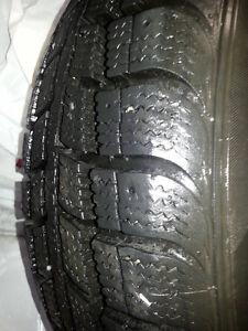 185/65/R15 4 pneus d'hiver (KEBEK) 175$ TRÈS PEU UTILISÉ
