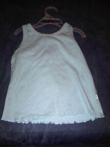 Size 4 Girls sweaters,Coats and Dresses tee shirts Kitchener / Waterloo Kitchener Area image 8