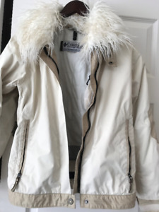 Columbia titanium Jacket size medium removable fur collar