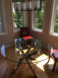 Round glass and chrome kitchen dining table Paid $565.00