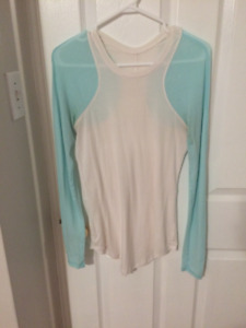 Lululemon Long Sleeve $20 Women's Size 6