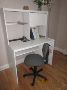 white student computer desk with hutch, and roller chair