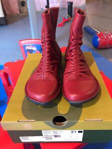 Short boots size 37