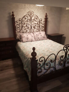 Solid Wood Bed Set (Queen Size)