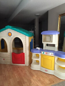 LITTLE TIKES PLAYHOUSE AND MINI KITCHEN Cambridge Kitchener Area image 1