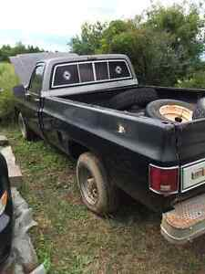 1975 GMC Sierra 2500 3/4 ton Parts Truck