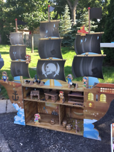Large Pirate Ship!  Full of accessories and characters!