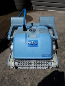 Dolphin M4 Robotic Pool Cleaner, FOR PARTS