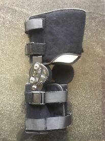 Donjoy Trom knee brace/support