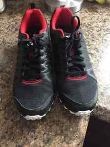 Reebok shoes wore once size 13! Cornwall Ontario image 1