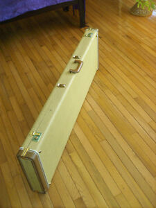 USED TWEED BASS CASE - EXTRA LONG!