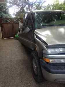 1999 to 2002 Chev GMC 2500 pick up parts