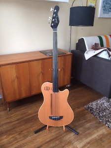 Godin A4 Fretless Bass