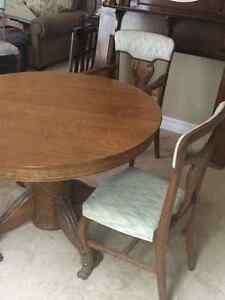 Antique Oak Table with 6 Chairs and 6 extra leaves London Ontario image 2