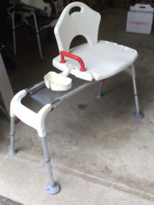 Mobility Aids : Fixed bath seat, sliding transfer bench