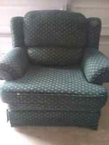 Very clean, no damage, fabric in mint condition, non smoking hom Peterborough Peterborough Area image 1