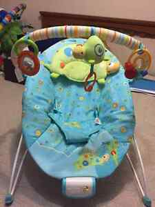 Vibrating baby seat