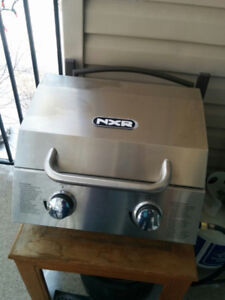 BARBECUE WITH PROPANE TANK