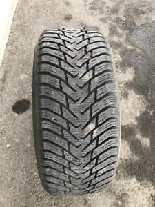 4 pneus d'hiver Nokian Hakka 8 non-cloutés 225/50r17