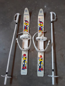 Kids beginner skis