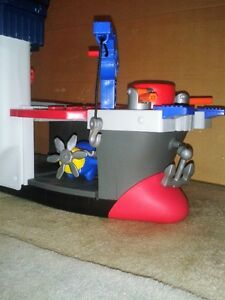 """""""Imaginext """" ship , planes and 2 people ! Windsor Region Ontario image 4"""