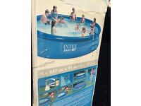 Free standing swimming pool