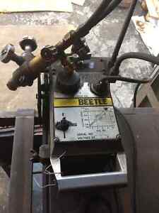 Beetle track cutter with table Kitchener / Waterloo Kitchener Area image 2