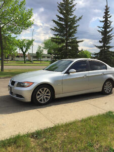 2006 BMW 325i Sedan Mint Condition $8000 O.B.O Edmonton Edmonton Area image 2