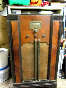 RCAVictor  Art Deco Antique Radio