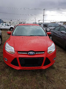 2013 Ford Focus/ WARRANTY/ NO ACCIDENT / LEATHER / HEATED SEATS