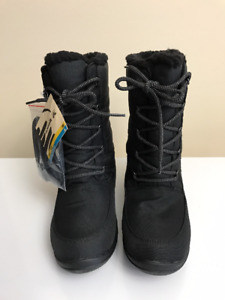 Kamik Robin Black Color in Size 11 (New with Tag/Box)